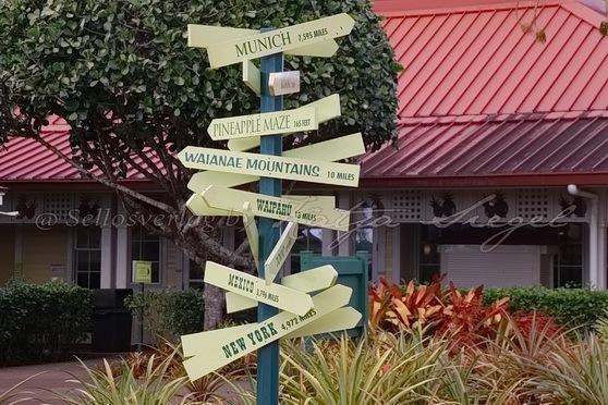 Dole_Ananas_Farm_Signpost