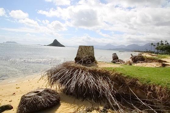 Kualoa-Rock-Beach_1
